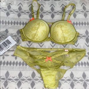 Victoria's Secret Bra and Panty Set